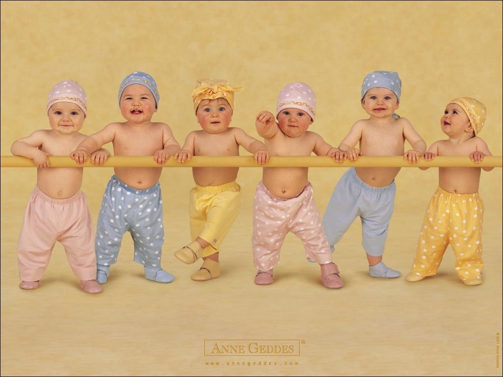 http://buket.ck.ua/album/wallpapers/kids/10241724911.jpg