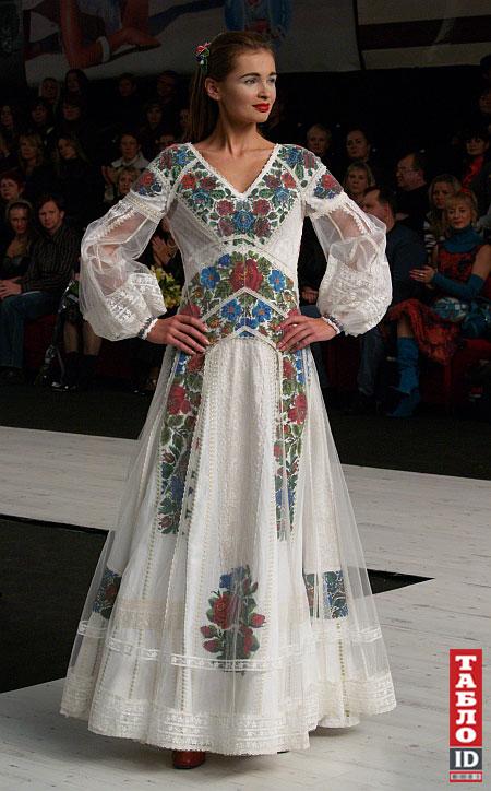 Богуцька зшила сукню для нареченої з п